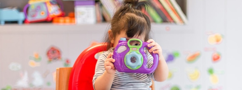 Easy Crafts for Kids that Use Photographs