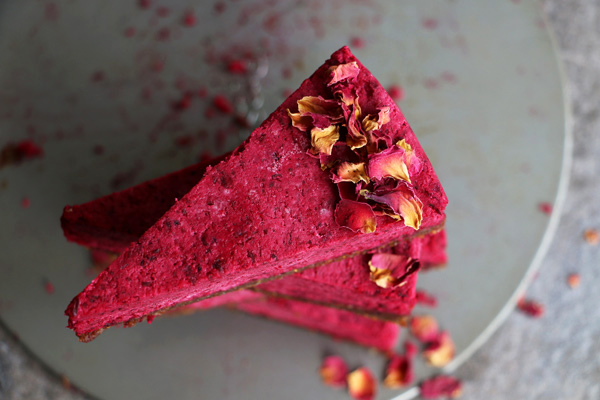 Raw Beetroot Cake with Walnut and Fig Crust (grain-free & vegan)